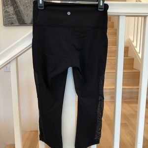 Lululemon Black workout pants sheer sides Capri 6